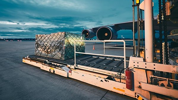 Loading of goods in aircraft